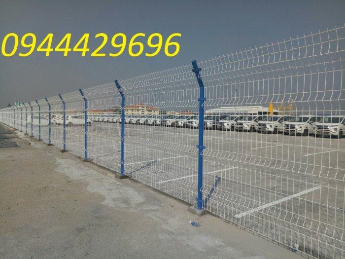 Hàng rào lưới thép hàn D5 a 50x200 mạ kẽm sơn tĩnh điện2