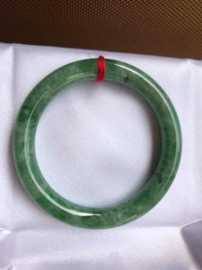 Vòng Tay Phong Thủy Đá Ngọc Cẩm Thạch Tự Nhiên Dầu Lý Sao 53mm x dầy 8,5mm Màu Xanh2