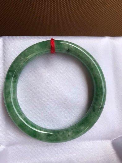 Vòng Tay Phong Thủy Đá Ngọc Cẩm Thạch Tự Nhiên Dầu Lý Sao 53mm x dầy 8,5mm Màu Xanh1