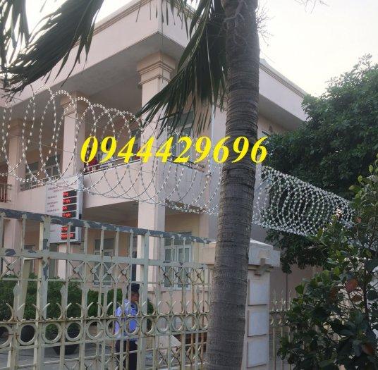 Dây thép gai hình dao Đk 45. 60.80cm lưới thép Nam Định8