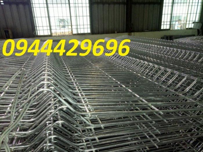 Hàng rào lưới thép hà D5a 50x150 giá tốt10