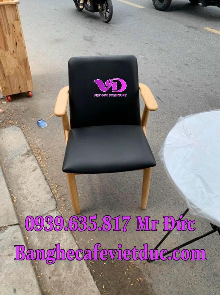 (Giá tại xưởng)Bàn ghế gỗ cafe có lưng,chất gỗ cao su đã qua xử lý keo,đẹp,bền,chất lượng2