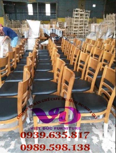 (Giá tại xưởng)Bàn ghế gỗ cafe có lưng,chất gỗ cao su đã qua xử lý keo,đẹp,bền,chất lượng0
