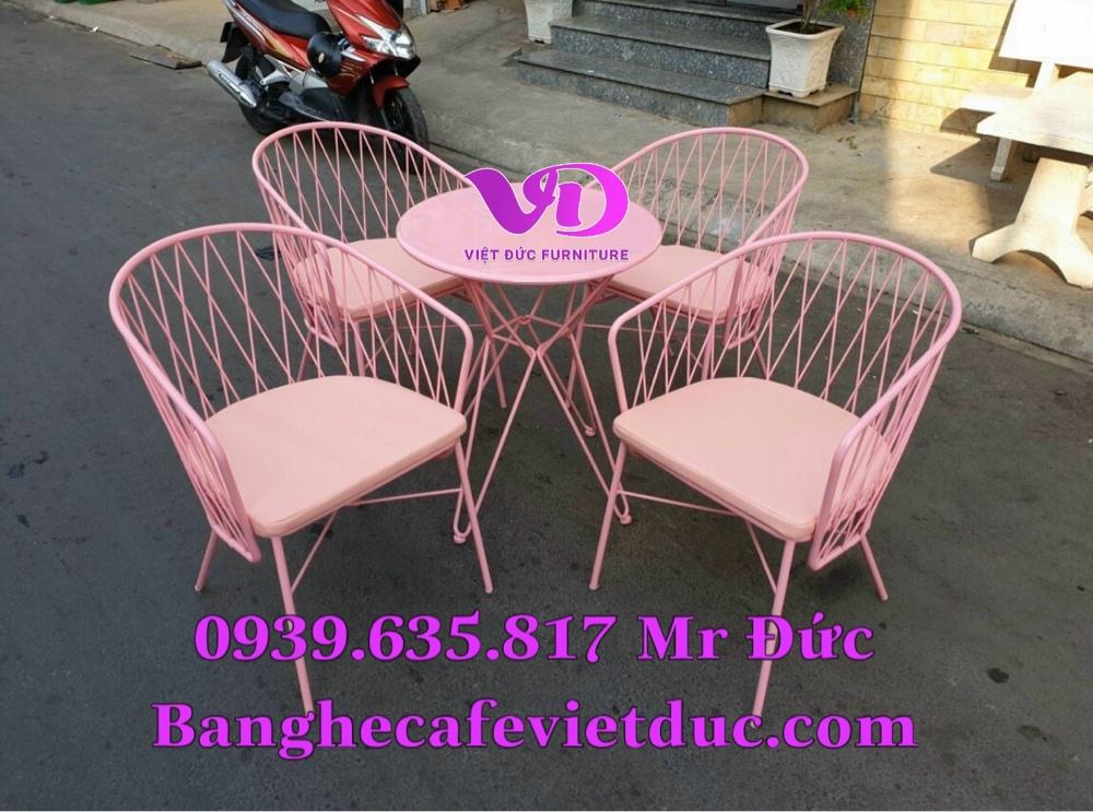 (Giá tại xưởng)Bàn ghế gỗ cafe có lưng,chất gỗ cao su đã qua xử lý keo,đẹp,bền,chất lượng5