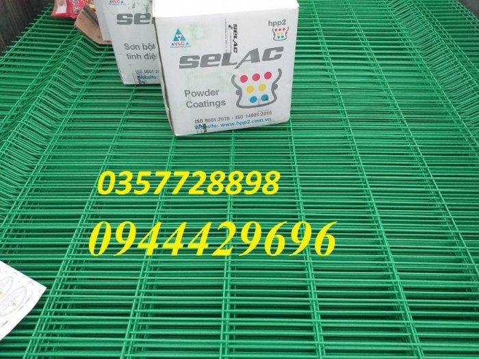 Hàng rào lưới thép hàn D5 a 50x150 mạ kẽm sơn tĩnh điện40
