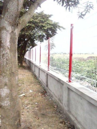 Hàng rào lưới thép hàn D5 a 50x150 mạ kẽm sơn tĩnh điện24