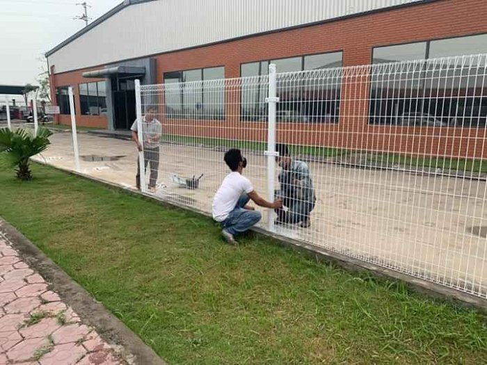 Hàng rào lưới thép hàn D5 a 50x150 mạ kẽm sơn tĩnh điện22