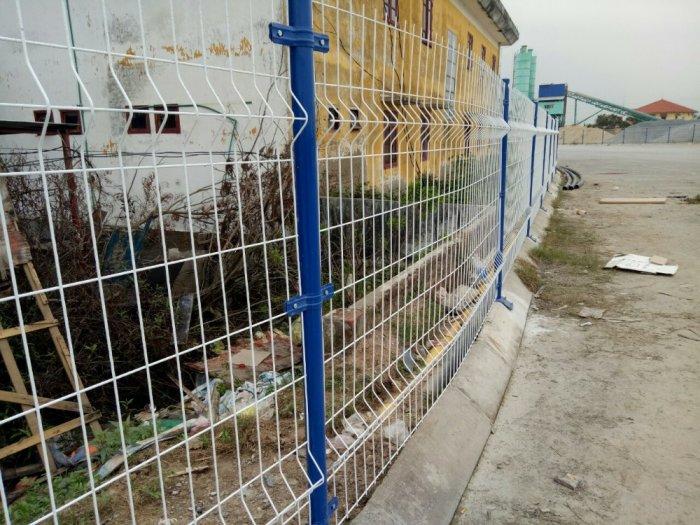 Hàng rào lưới thép hàn D5 a 50x150 mạ kẽm sơn tĩnh điện20