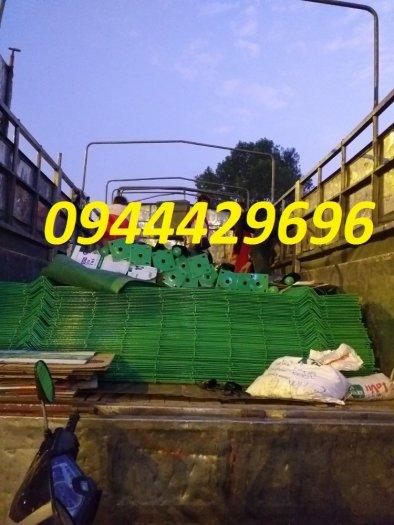 Hàng rào lưới thép hàn D5 a 50x150 mạ kẽm sơn tĩnh điện5