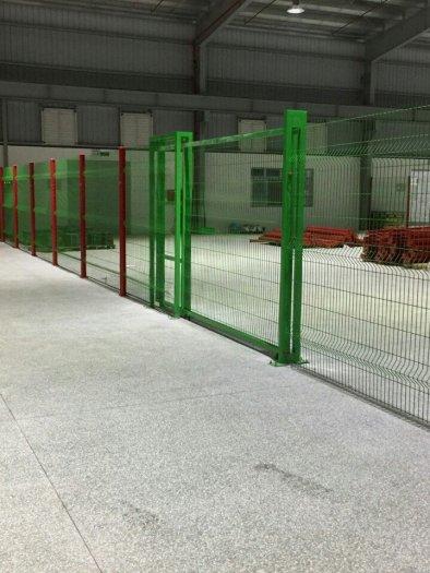 Hàng rào lưới thép hàn D5 a 50x150 mạ kẽm sơn tĩnh điện3