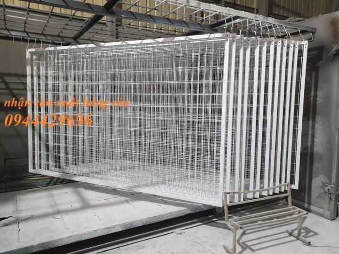 Hàng rào lưới thép hàn D5 a 50x150 mạ kẽm sơn tĩnh điện0