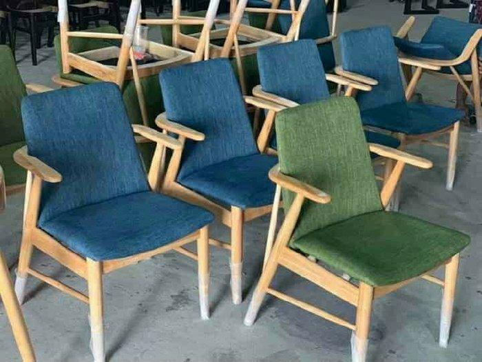Ghế gỗ cafe bọc vải vải nỉ0