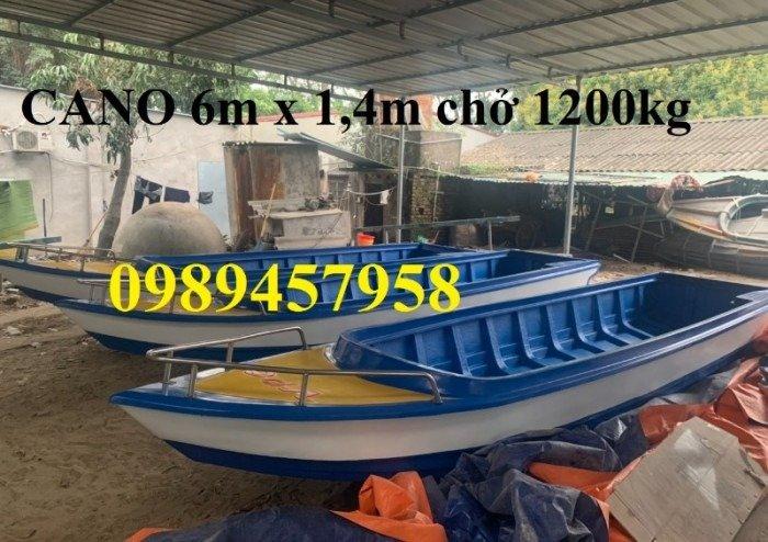 Thuyền composite chở 8-10 người 6m giá rẻ0
