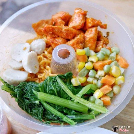 Khay nhựa đựng thức ăn gắn trên ly4