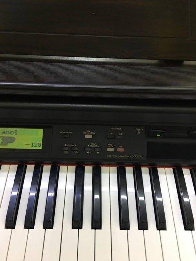 PIANO ĐIỆN CLP-7111