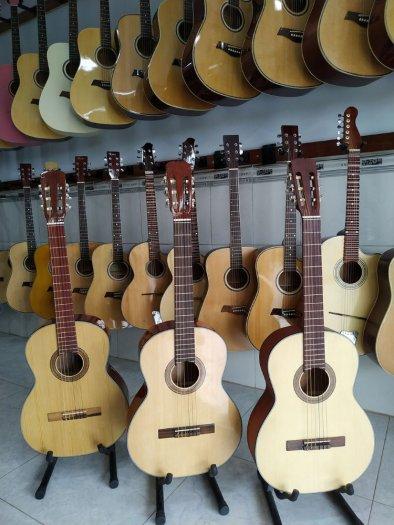 Đàn guitar giá rẻ tại quận 12 tpchm9