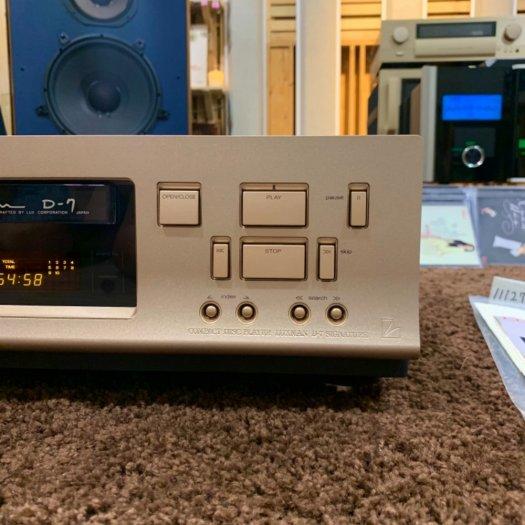 CD LUXMAN D-7 SIGNATURE ( vỏ piano )8