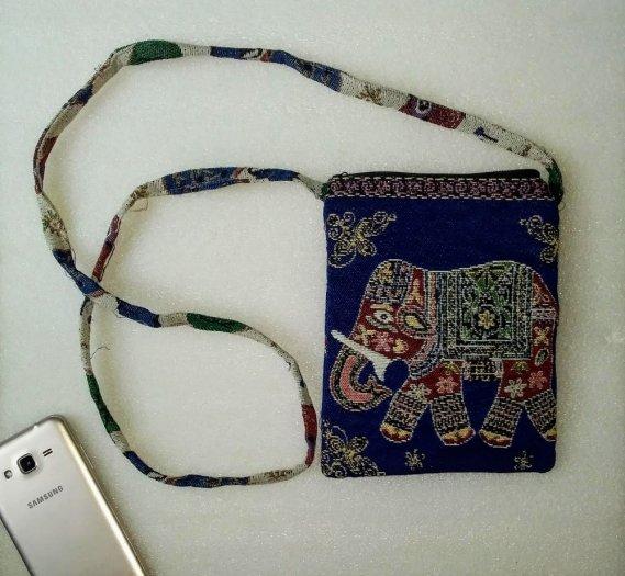 Túi đeo điện thoại vải thổ cẩm hình voi3