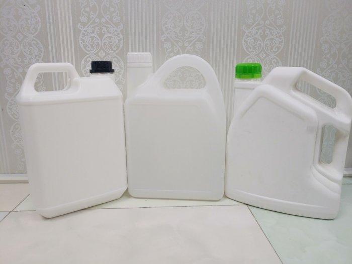 Chai nhựa giá rẻ1