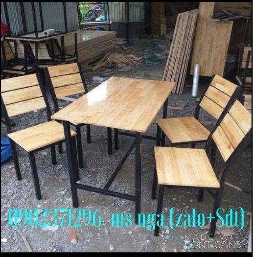 Bàn ghế gỗ cố định khung sắt quán nhậu1