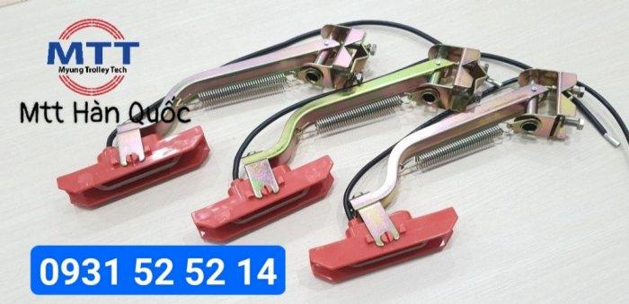 Chổi tiếp điện cầu trục 1p 60a hãng myungshin16