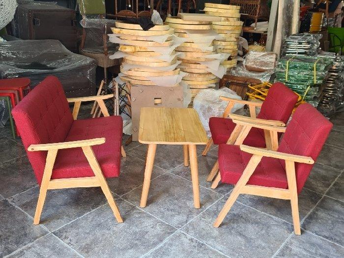 Sofa gỗ nệm màu đỏ nhấn nút giá xưởng0