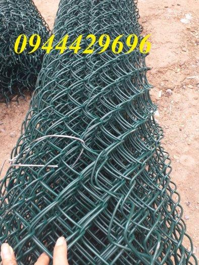 Lưới B40 bọc nhựa  khổ 1.8m mầu xanh làm hàng rào7