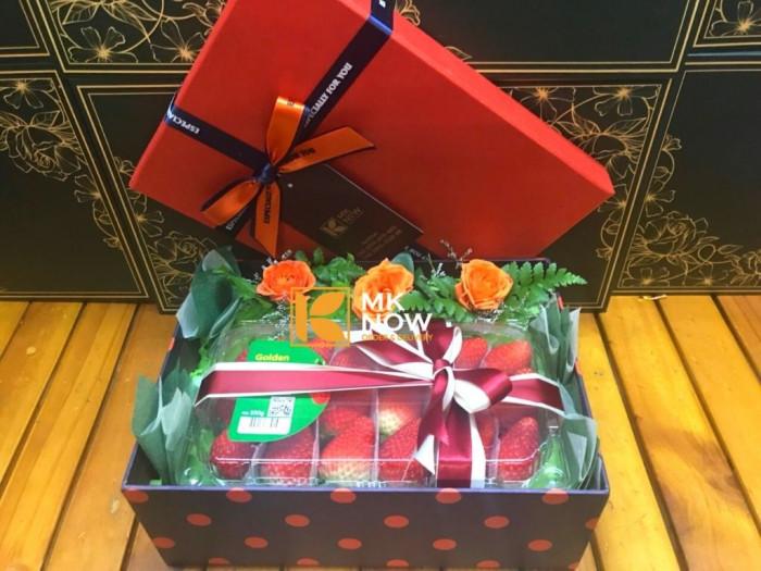 Đặt hộp quà dâu tây Korea - FSNK240 | MKnow.vn - 0373 600 600 (Zalo 24/24)0