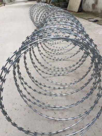 Dây kẽm gai, dây thép gai hình dao làm rào bảo vệ5