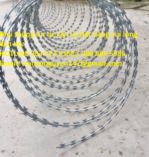 Dây kẽm gai, dây thép gai hình dao làm rào bảo vệ2