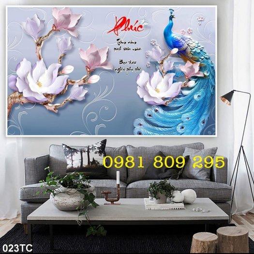 Gạch tranh ốp phòng ngủ - tranh chim công3