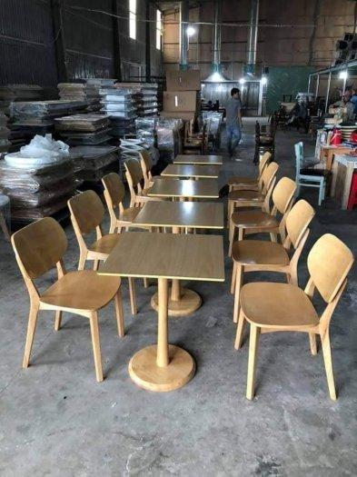 Bàn ghế gỗ mẫu mã mới, phong cách đẹp, thích hợp0