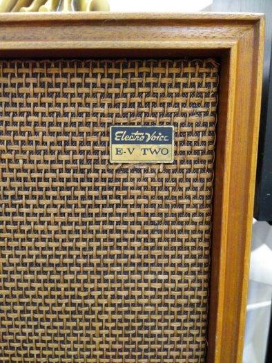 Loa nghe nhạc cực chất của Mỹ: Electro Voicc-E-V TWO (16 tr)3