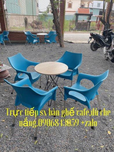 Bàn ghế nhựa  lỗ cafe ngoài trời giá rẻ.0