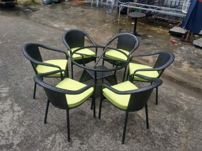 Công ty cần thanh lý nhiều bàn ghế giả mây dùng cho quán cafe4