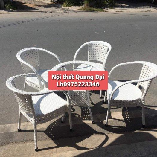 Công ty cần thanh lý nhiều bàn ghế giả mây dùng cho quán cafe0