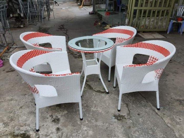 Bộ bàn ghế Thúng phối màu bằng nhựa giả mây2