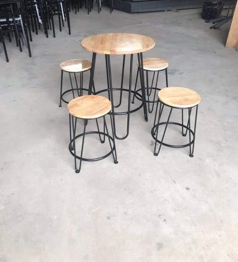 Bàn ghế gỗ chân sắt không lưng tựa