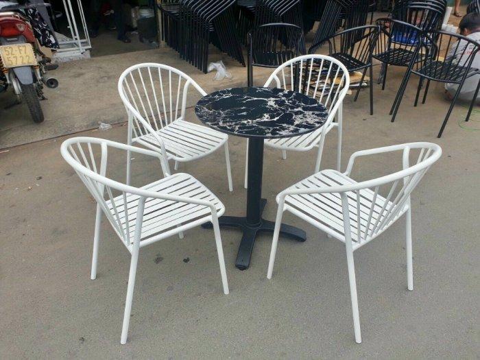 Bộ bàn ghế sắt mỹ nghệ1