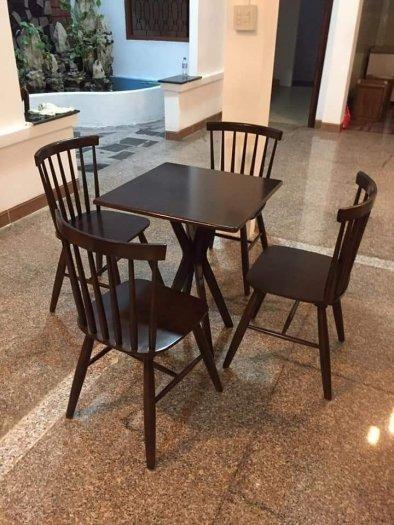 Bàn ghế gỗ sơn màu giá rẻ1