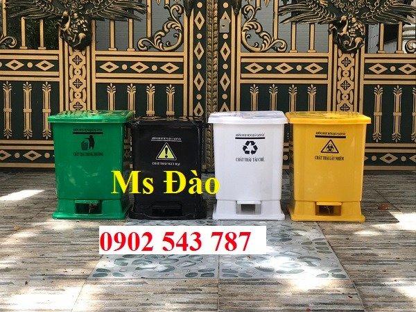 Chuyên cung cấp thùng rác y tế đạp chân 25 lít0