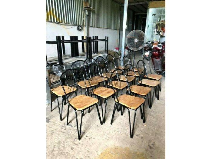 Ghế cà phê sắt gỗ hiện đại0