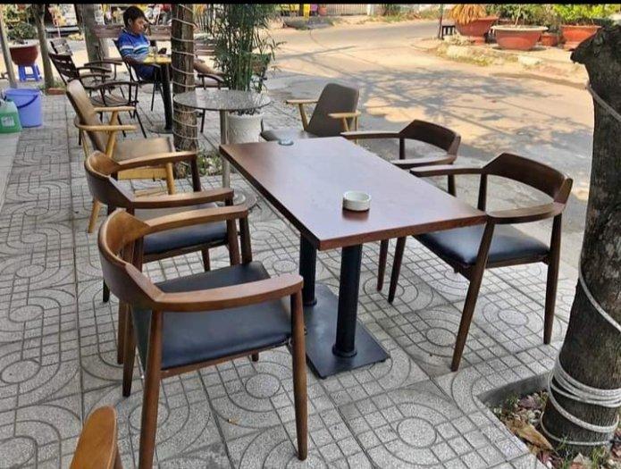 Cần bán bàn ghế cafe GỖ giá cả cạnh tranh1