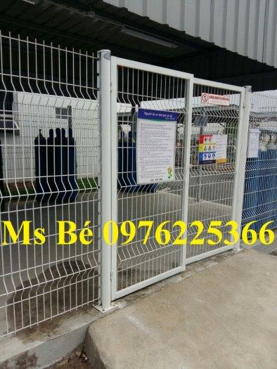 Hàng rào lưới thép mạ kẽm sơn tĩnh điện phi 3, phi 4, phi 5, phi 61