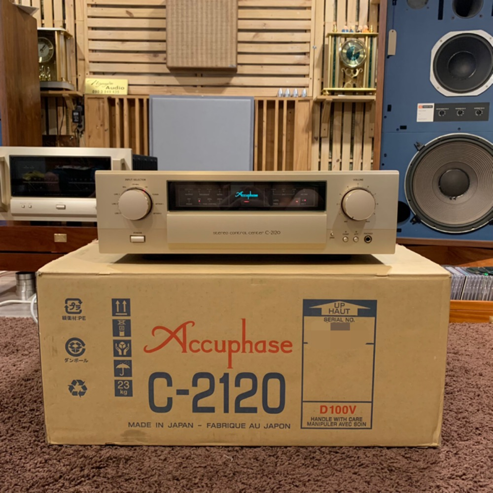 Accuphase C-21209
