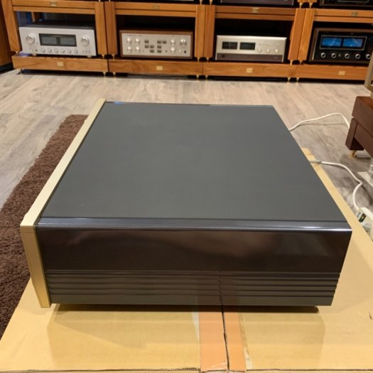 Accuphase C-21206