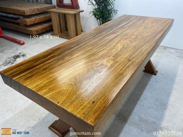 Bàn gỗ tự nhiên nguyên tấm dài 1,97m rộng 72cm dày 10cm9