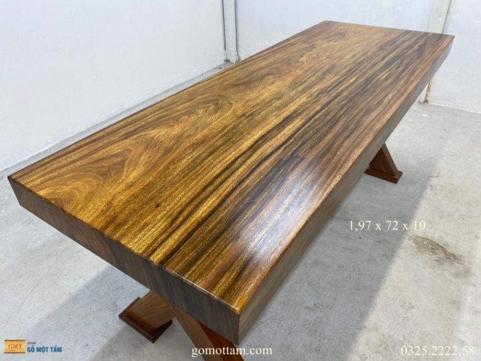 Bàn gỗ tự nhiên nguyên tấm dài 1,97m rộng 72cm dày 10cm2
