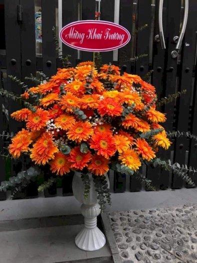 Bình hoa chúc mừng khai trương hồng phát hoa đồng tiền màu cam - LDNK020