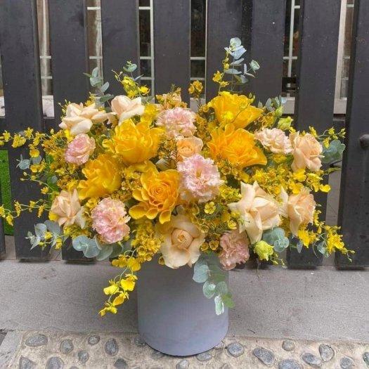 Bình hoa chúc mừng tone màu vàng cam sang trọng và quý phái - LDNK050